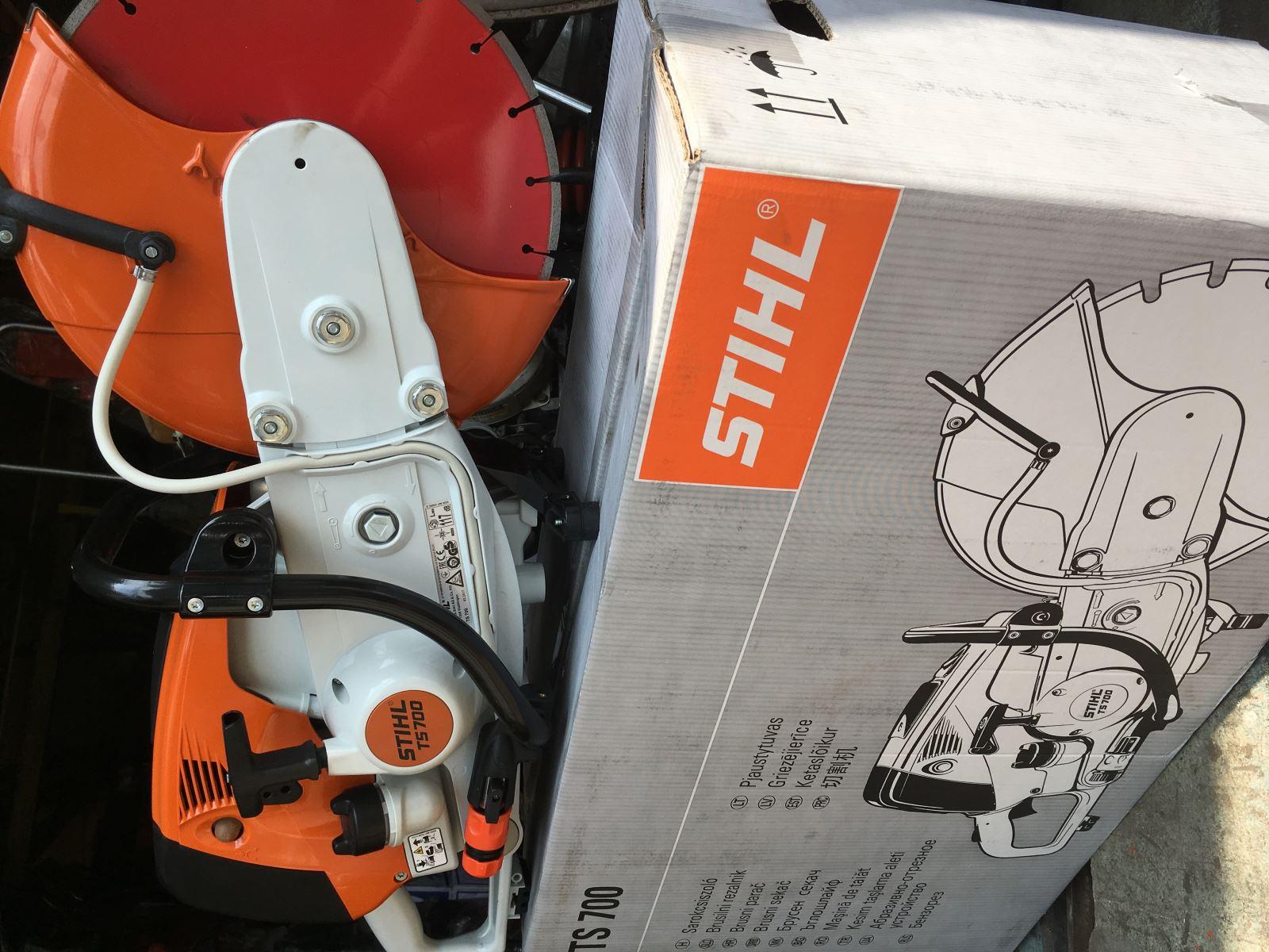 Máy cắt bê tông TS700