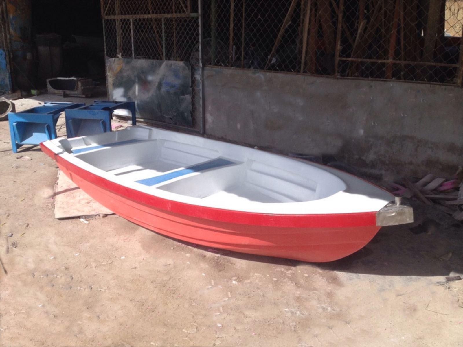 Thuyền composite. câu cá, cứu nạn cứu hộ